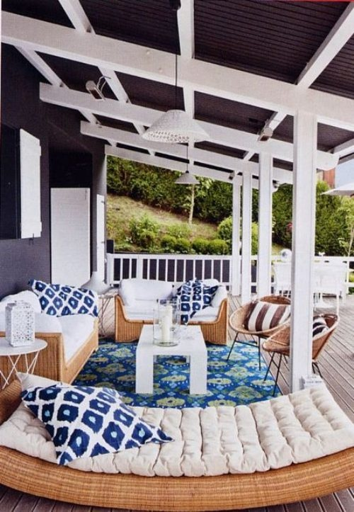outdoor patio design with white accents
