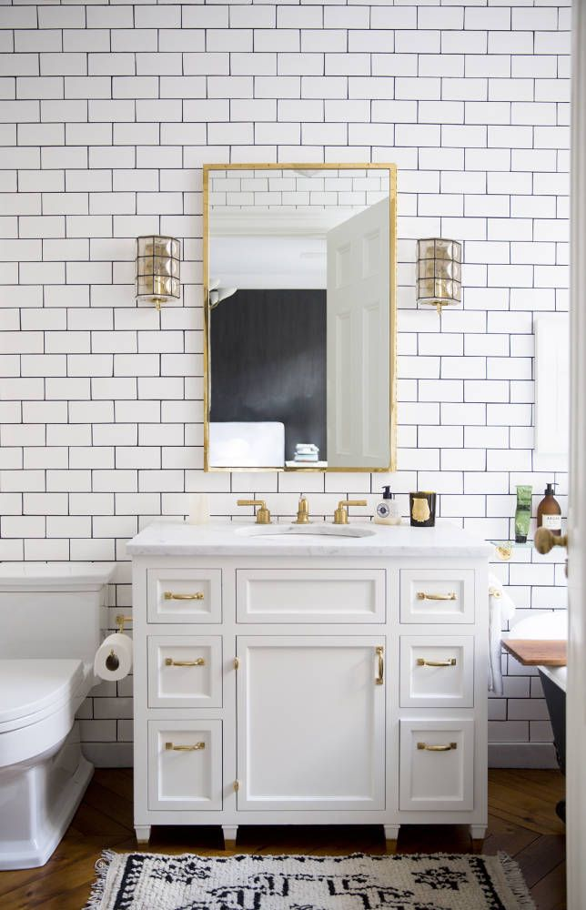 Tasteful Bathroom Design With White Subway Tile