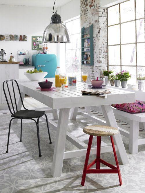 Bright Breakfast Nook Design Inspiration
