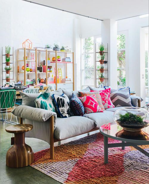Colorful Living Room Design Inspiration For Your Small Apartment ...