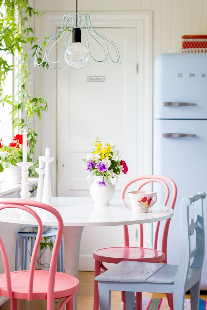Playful Garden Inspired Breakfast Nook