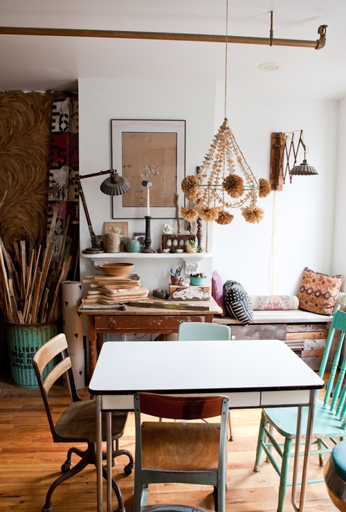 Funky vintage dining room homedesignboard for Funky dining room ideas