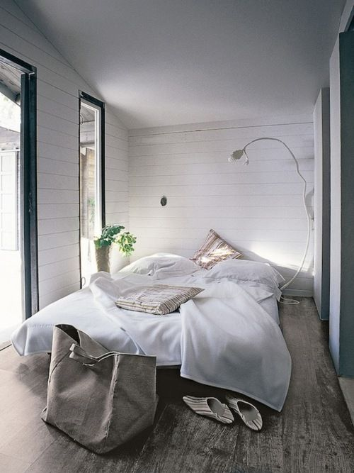 Modern Bedroom Design for a small bedroom