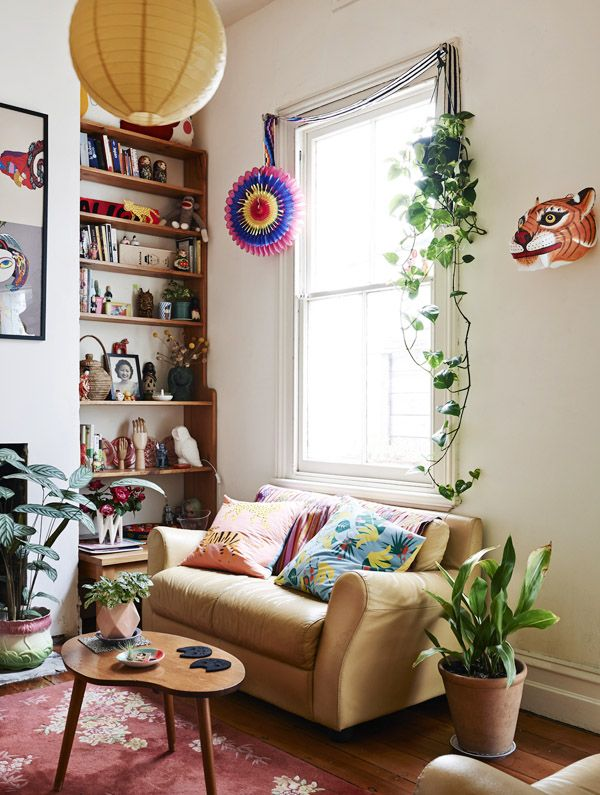 Eclectic Living Room Decor | HomeDesignBoard