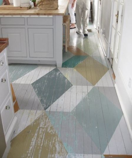 Painted parquet kitchen floor homedesignboard for Peinture sur carelage