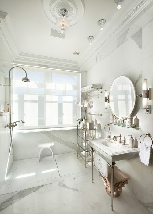 White Hollywood Era Bathroom