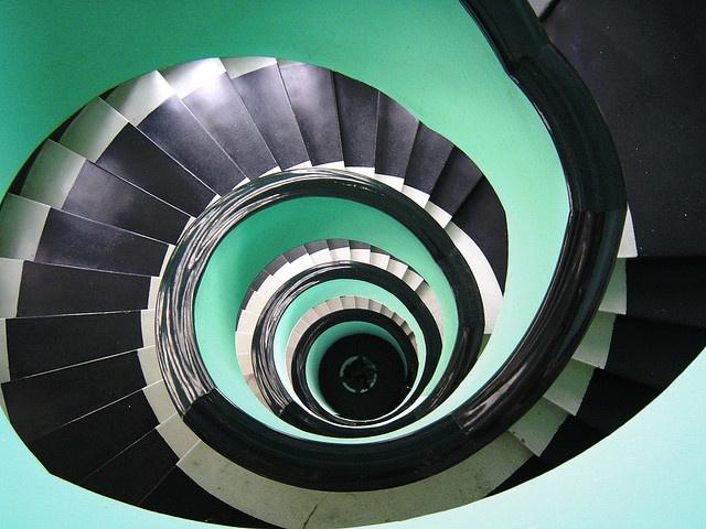 Dorothy Draper Spiral Stair