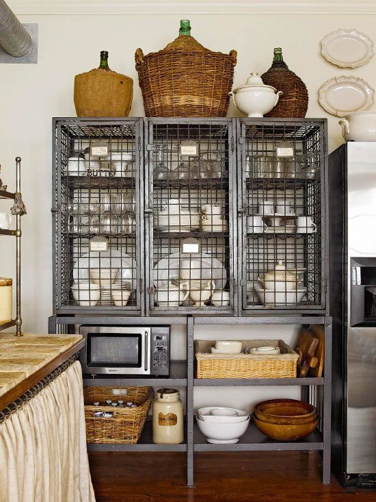 Industrial Chic Kitchens HomeDesignBoard : Industrial Kitchen Storage from homedesignboard.com size 550 x 733 jpeg 97kB
