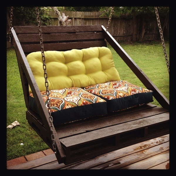 Pallet DIY Porch Swing