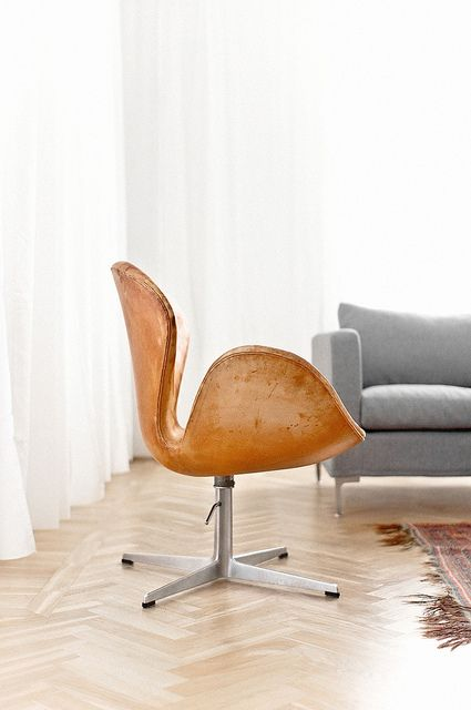 Contemporary Twist on the Jacobsen Swan Chair