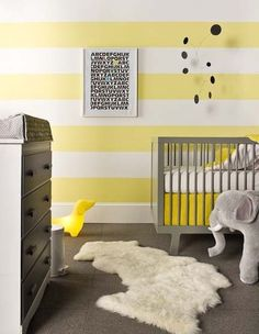Large Scale Yellow Stripes